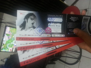 kenny wizz ticket indonesia