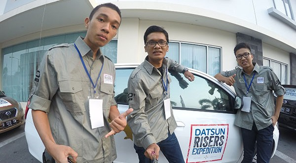 Foto Mobil Datsun Risers Expedition
